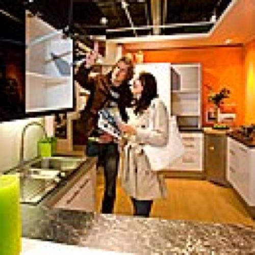 Praxis opent keuken- en badkamershowrooms